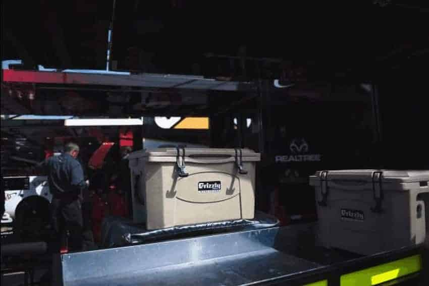 grizzly 40 cooler with austin dillon racing