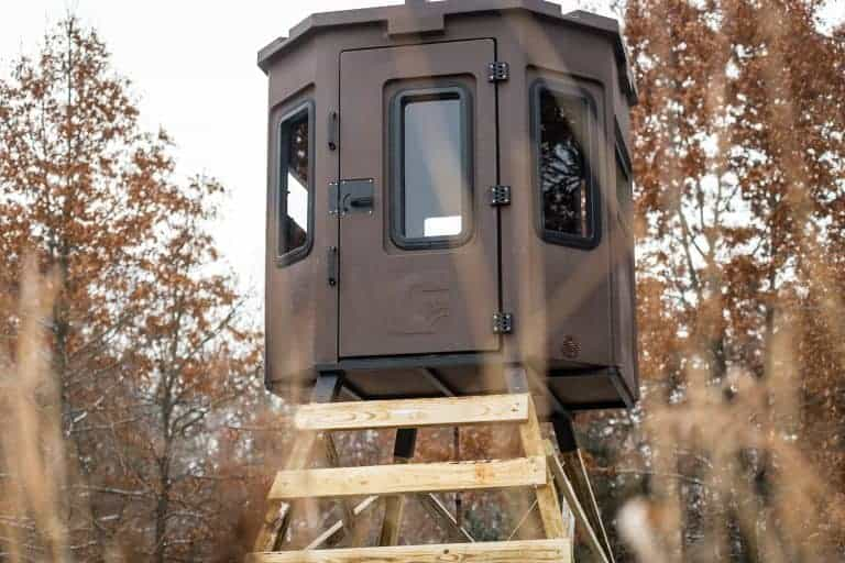 grizzly box blind setup in field