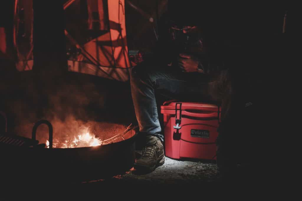 How To Build A Campfire Safely